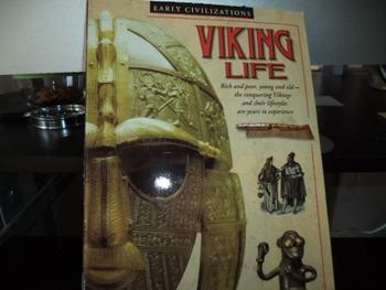 VIKING LIFE     ISBN 0 439 14917 7