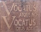 Vocatus Sign
