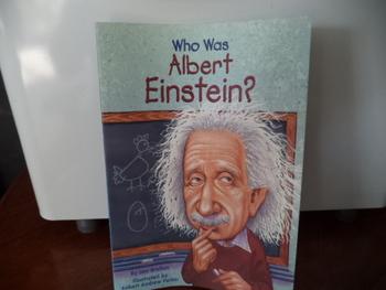 WHO WAS ALBERT EINSTEIN?  ISBN 0-448-42496-7