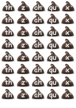 chocolate chip cookie word blending and spelling game
