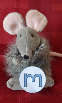 m - mouse phonic photo